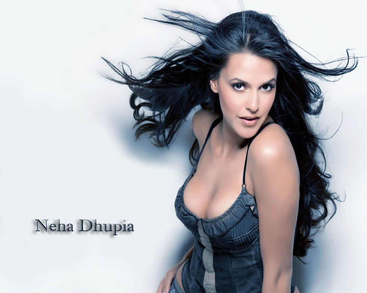 Sexy neha dhupia boobs