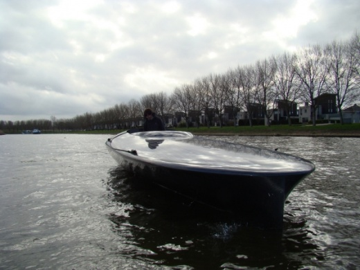 world's first solar speedboat pics