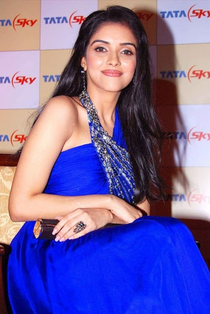 asin in blue dress photos