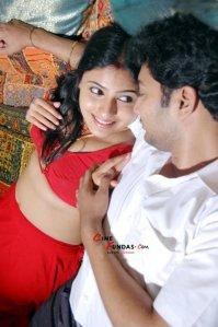 silandhi actress monica